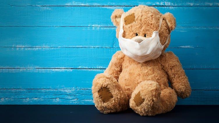 teddybaer-mit-maske-virus