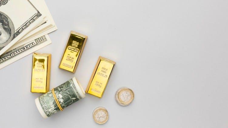 gold-barren-banknoten