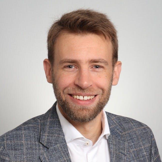 Dr. Philip Bußmann | LONGLIFE
